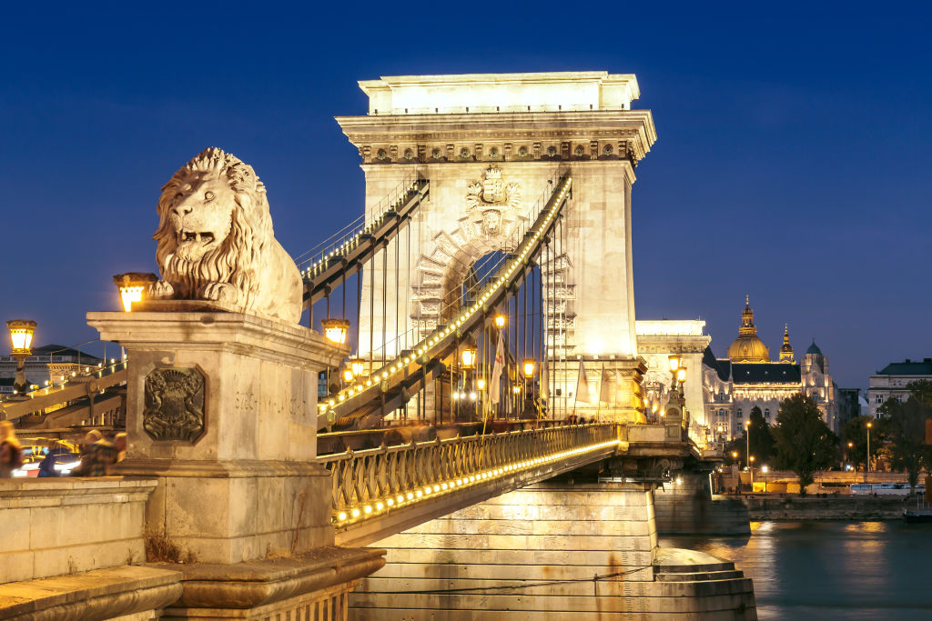 Bridge, Budapest, Building