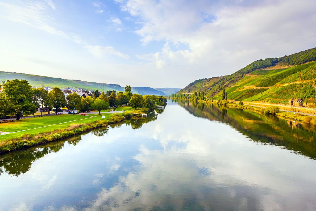 Weinberge Fluss Mosel Deutschland