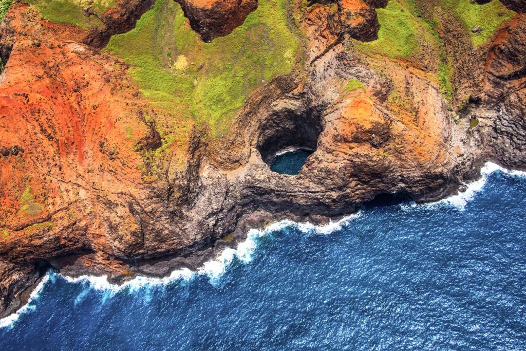 Cliff, Coast, Colorfulness