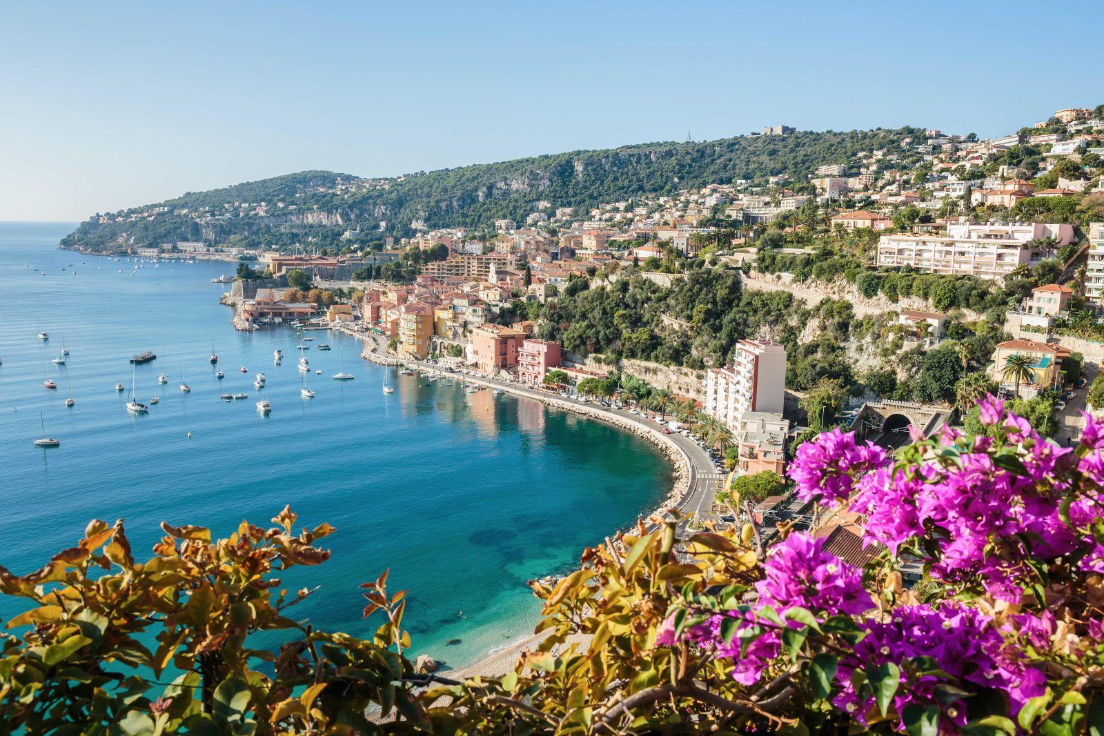 Küste von Nizza in Südfrankreich