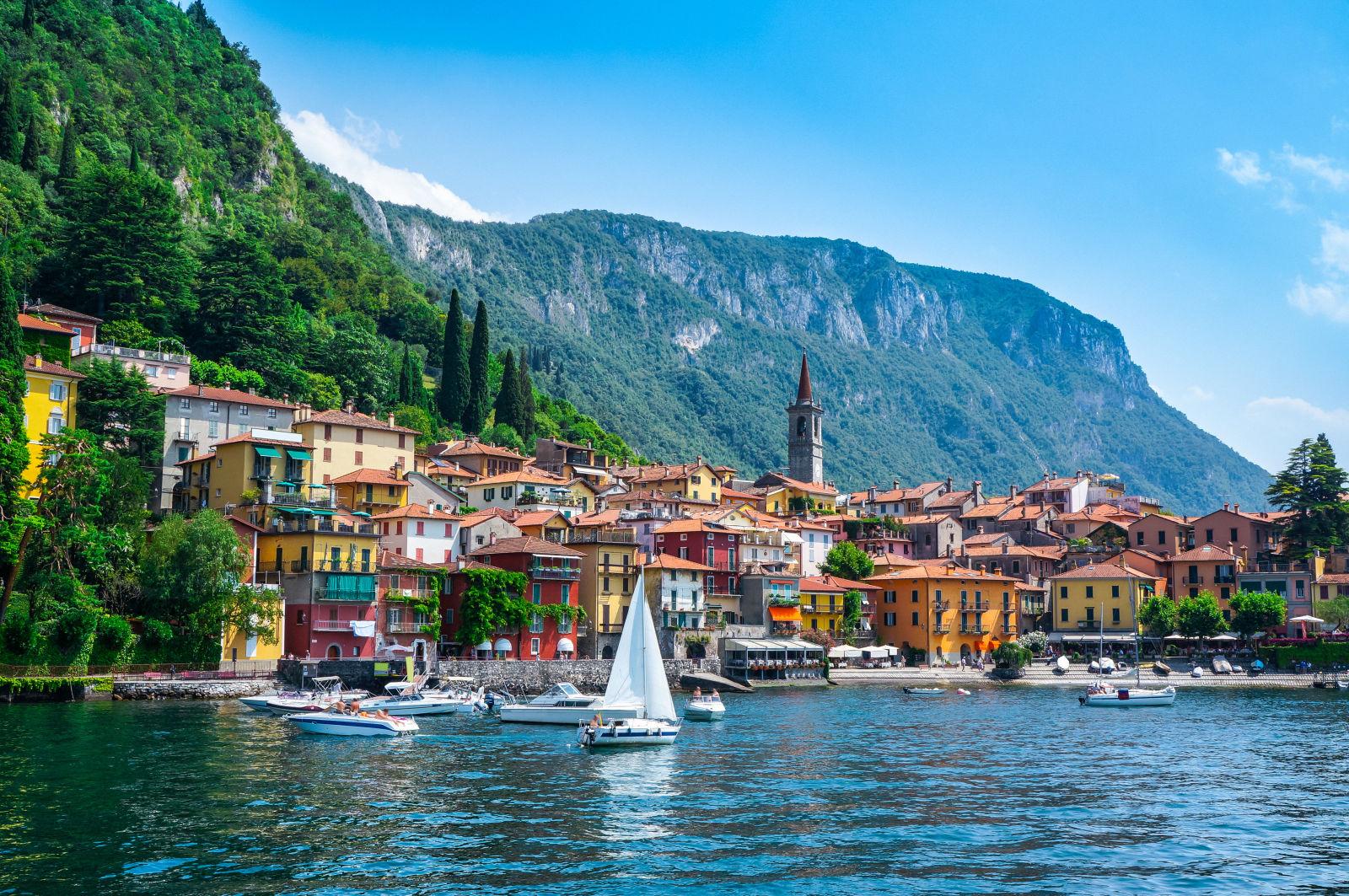 Kleiner Ort am Comer See, Italien