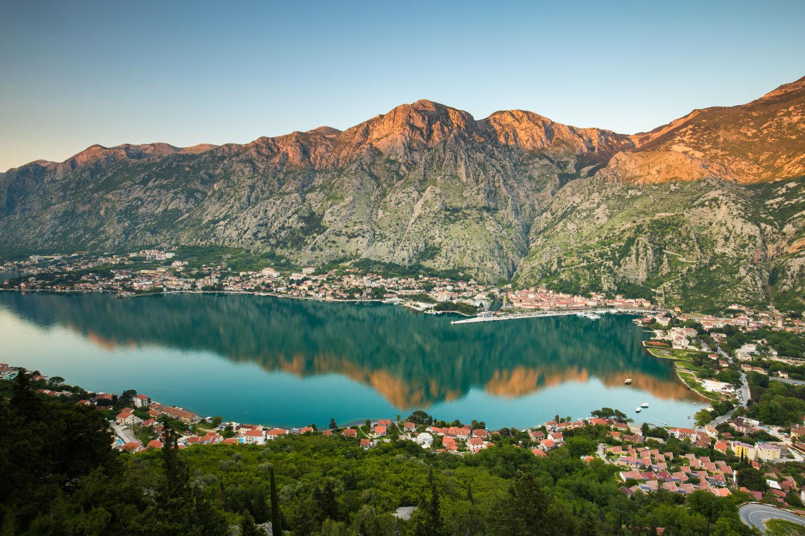 Kotor, Montenegro Bucht Berge Hafenstadt