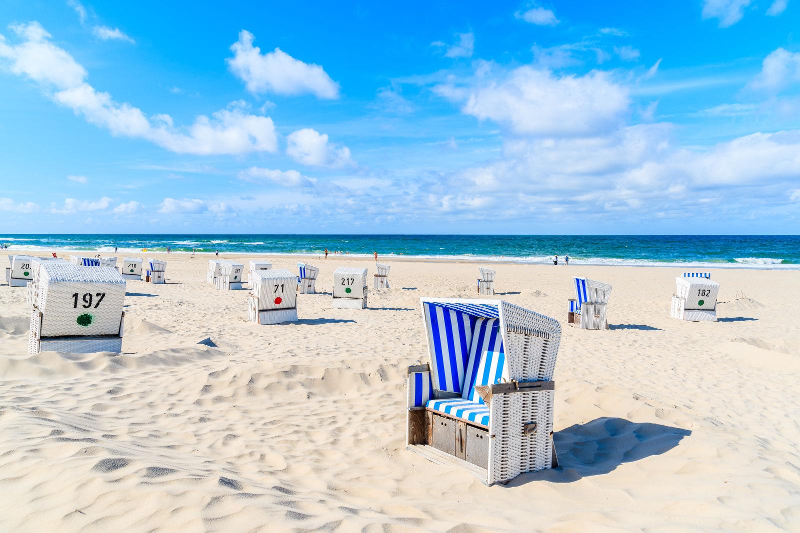 Strandstühle in Kampen auf Sylt, Nordsee