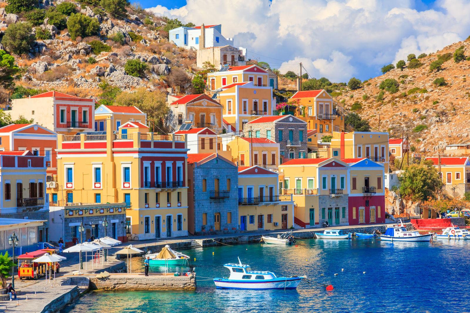 Sommertag auf der griechischen Insel Symi