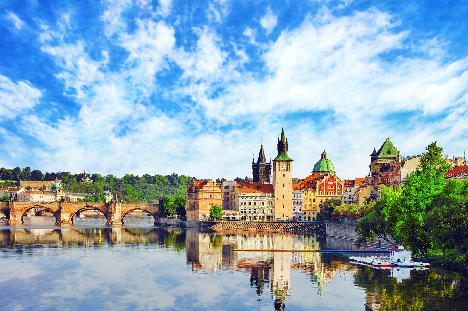 Altstadt von Prag an einem Fluss