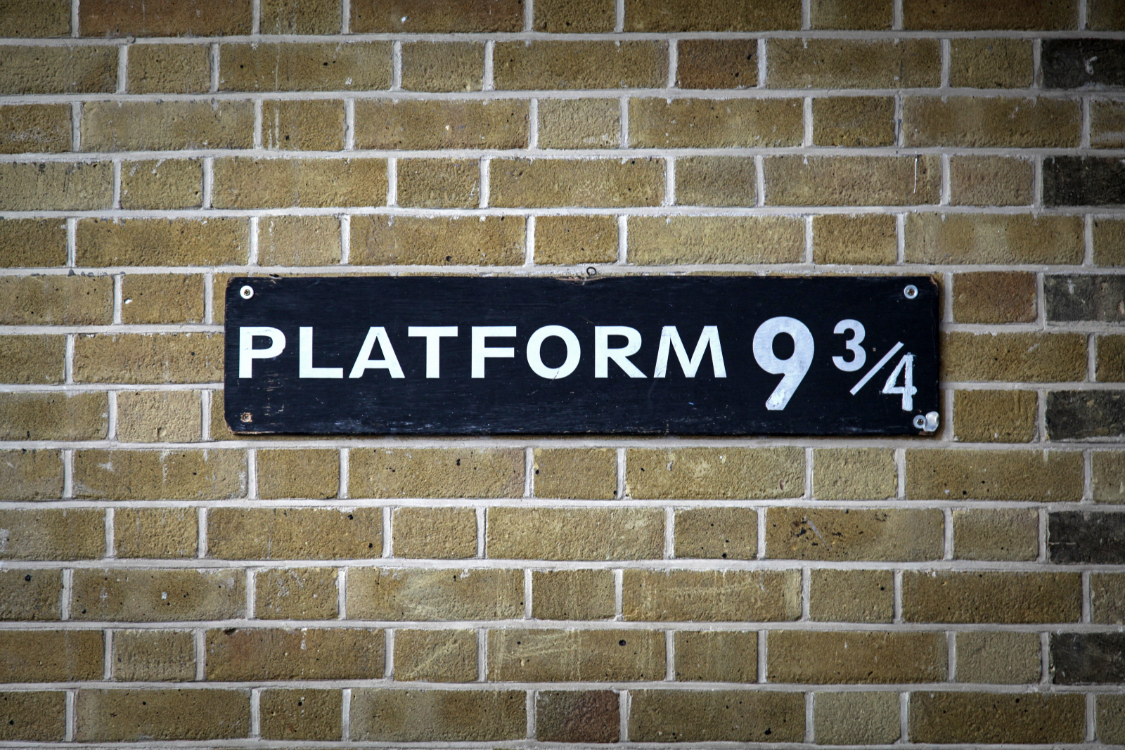 Gleis 9 3/4 am Bahnhof Kings Cross