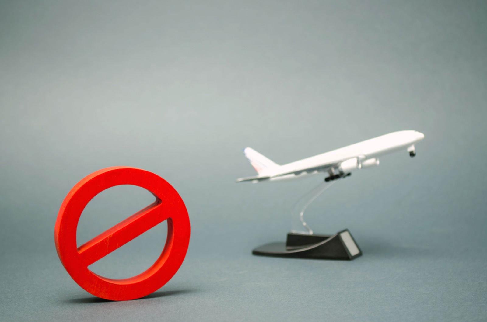 Impressions and Other Assets/airplane_flight_ban_cancelled_shutterstock_1374359168_mobat8