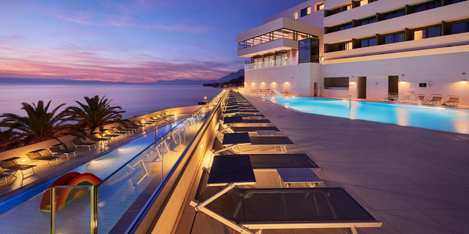 Impressions and Other Assets/triverna_Podgora_Chorwacja_Medora_Auri_Family_Beach_Resort_croatia_main_wbtndy