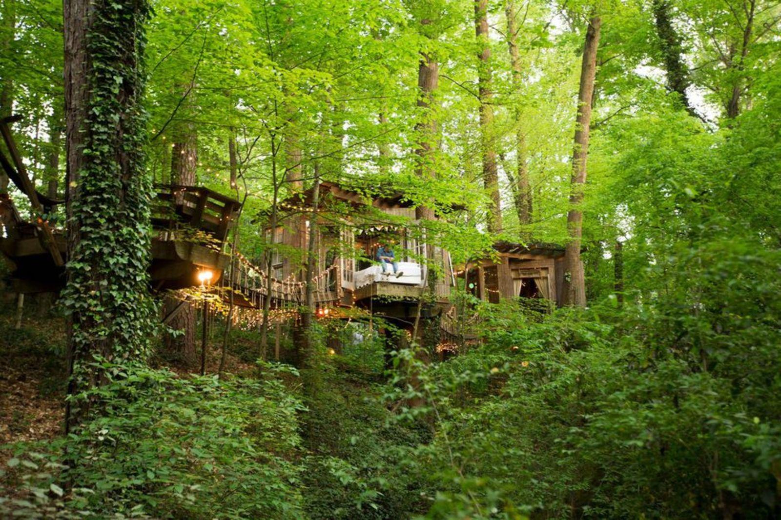 Cabaña en Atlanta, Secluded Intown Treehouse