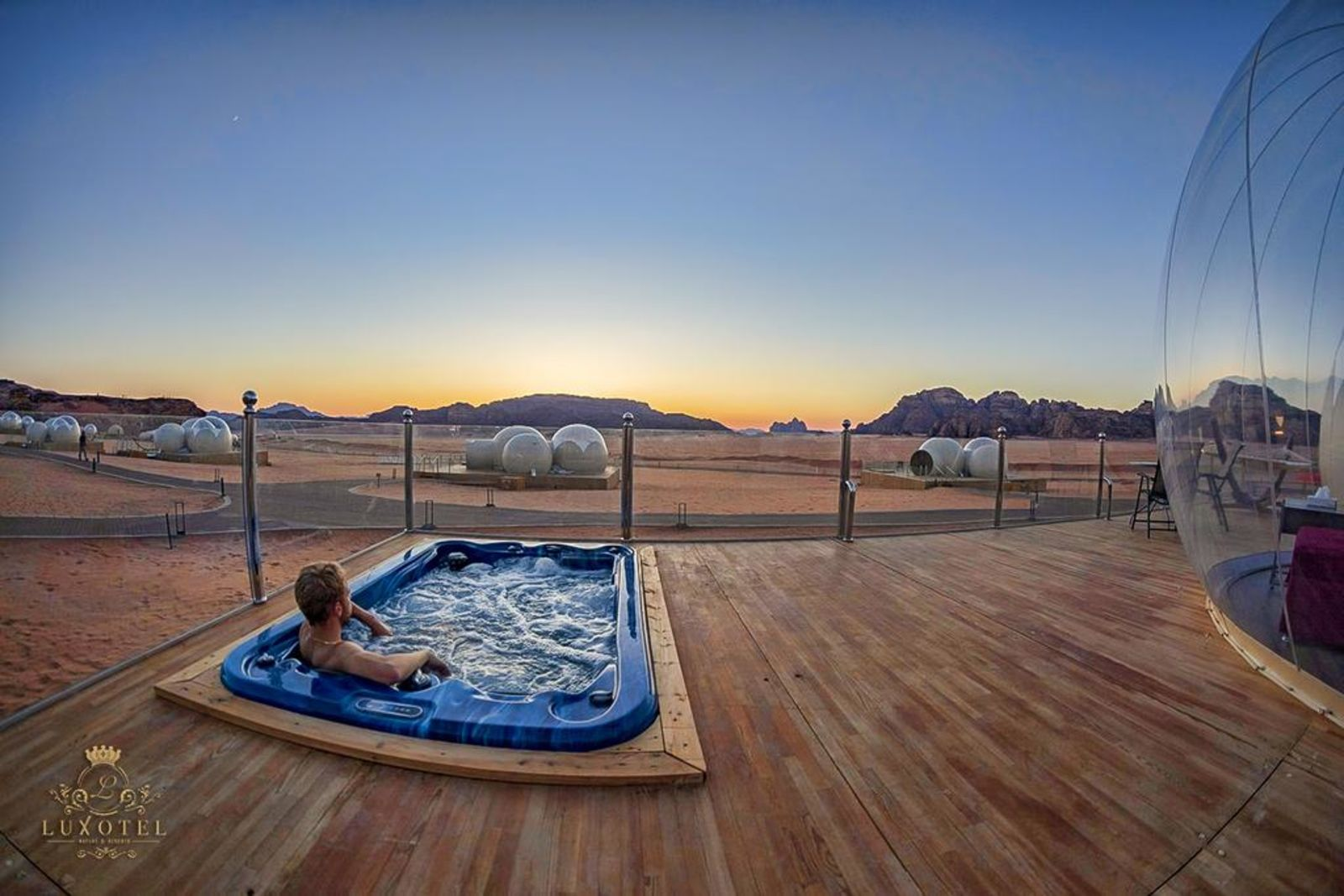 Wadi Rum Bubble Luxotel, booking.com