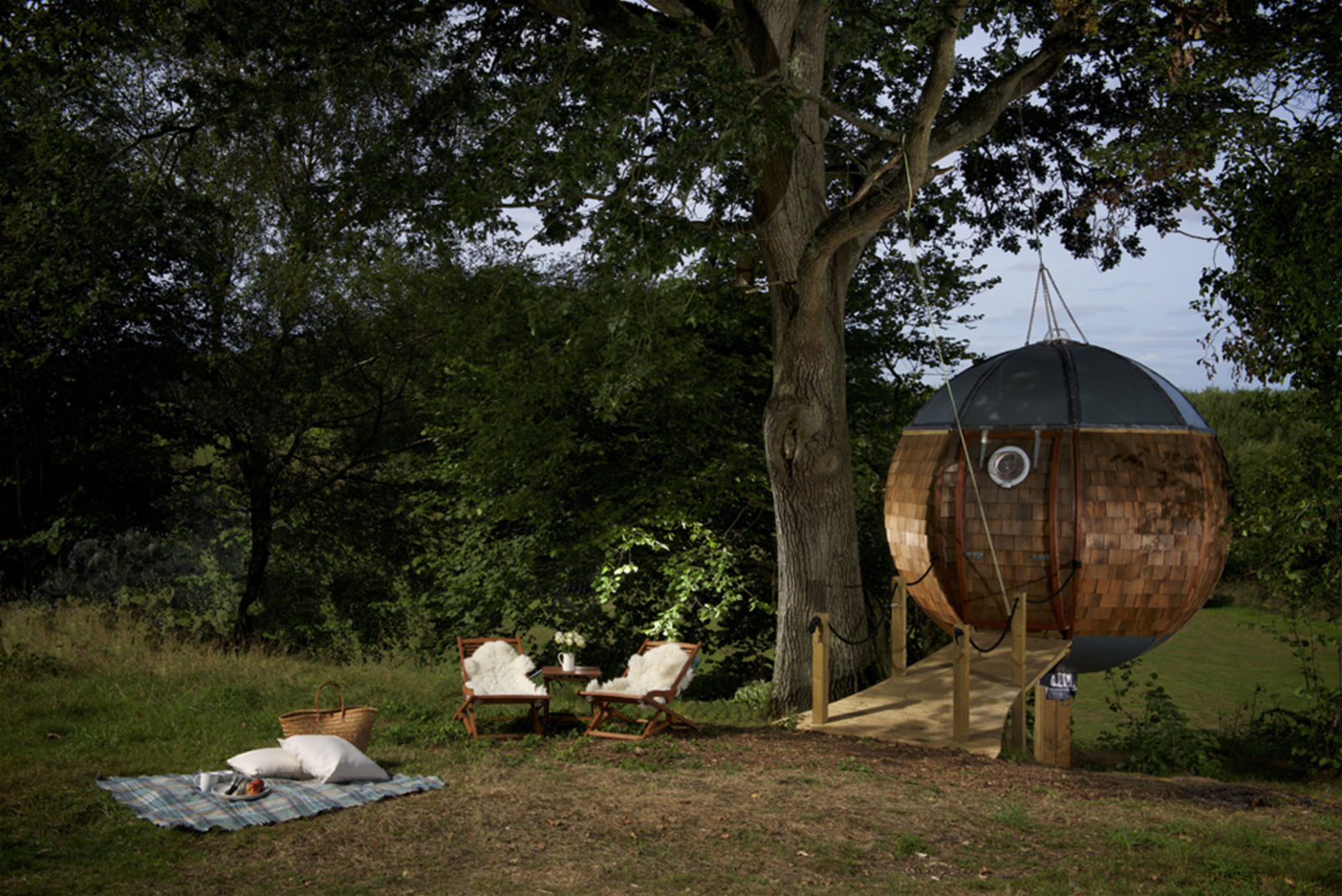 treehouse, Floating tree sphere, airbnb uk