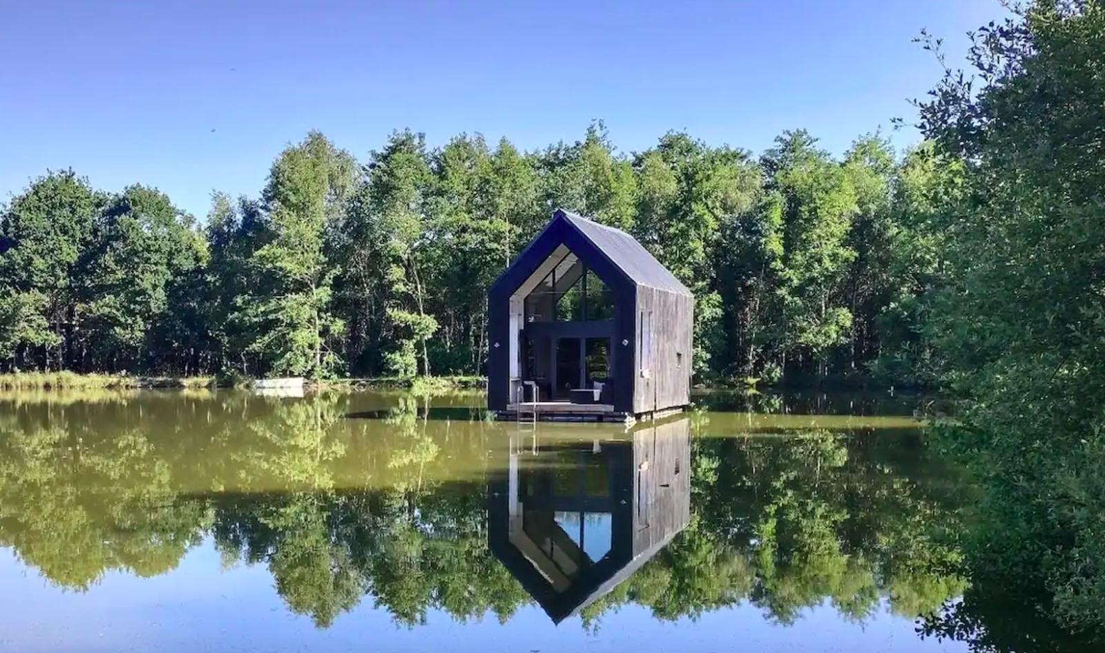 hermione cabane insolite sur l'eau, airbnb