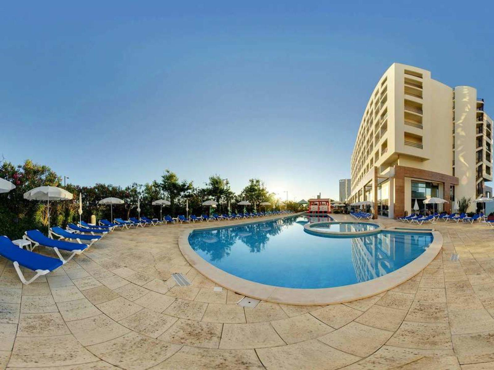 Partner, Tryp Lisboa Caparica Mar Hotel, VakantieDiscounter