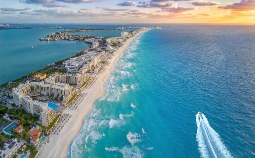 Return flights to Cancun