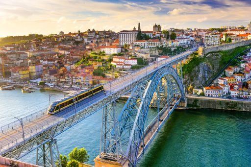 Vluchten naar Porto