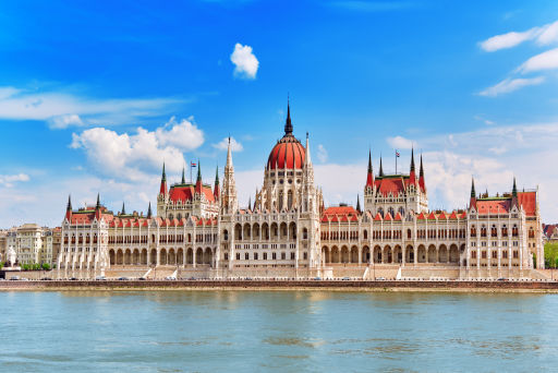 Super CHEAP flights to Europe this November and December