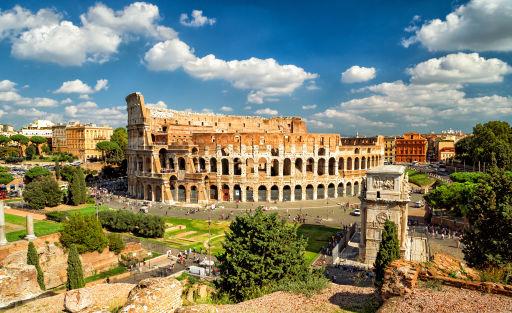 Puente de Octubre en Roma con hotel cerca del Coliseo