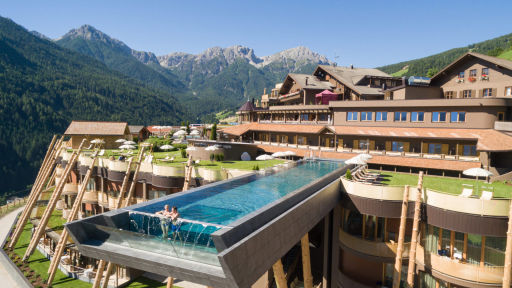 Check Out This Italian Hotel With a Sky Pool and Incredible Views!