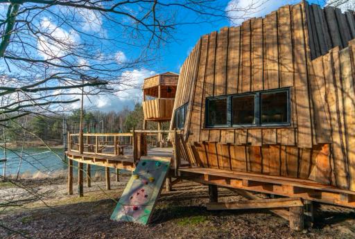 Dikke boomhut in Drenthe!