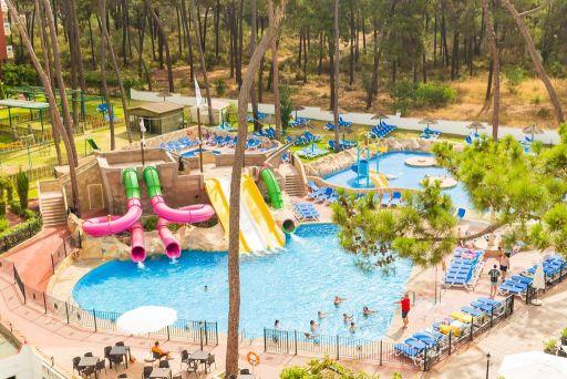 Hoteles con toboganes o parque acuático