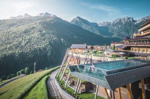 Sky pool we włoskich Alpach