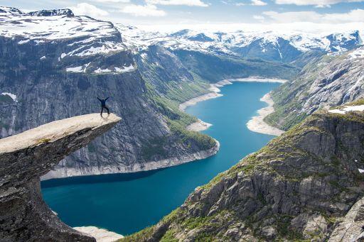 Abenteuer Südnorwegen: Roadtrip zu Fjorden & Wasserfällen