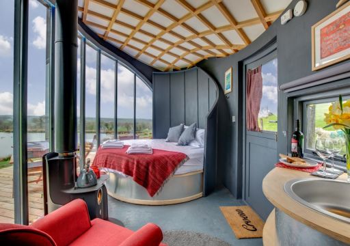 Luxury glamping stay in stunning Wales with hot tub