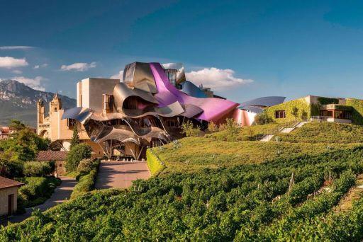 Hotel Marqués de Riscal 5*: un templo vanguardista de lujo entre viñedos