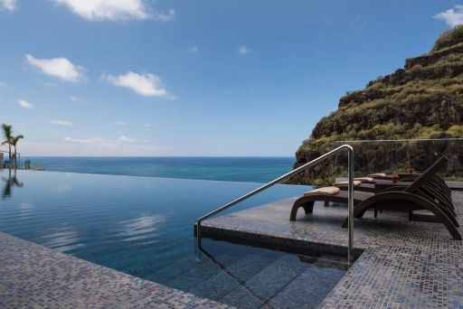 Madeira: 5* 7nts summer holiday at design hotel w/infinity pool, spa & flights