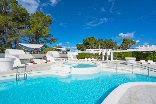 Vacaciones en hotel 4* de diseño en Ibiza