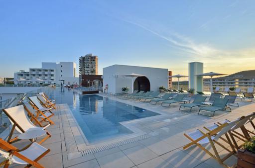Piscine panoramique vue mer à Majorque