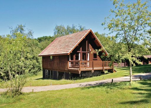 Lush lodges in North Cornwall at a BARGAIN price