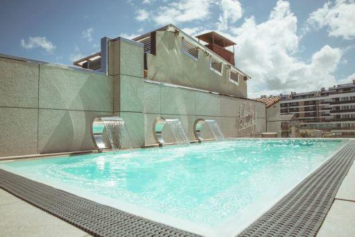Hôtel avec piscine sur le toit à San Sebastian