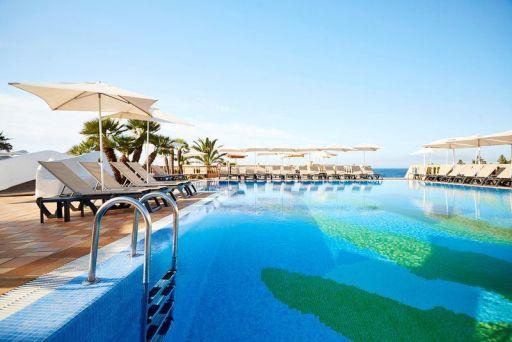 MEDIA PENSIÓN en Formentera en hotel 4* + vuelos + ferry