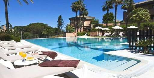 Lujo en Islantilla: 7 noches en Hotel 4* DoubleTree by Hilton