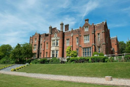 Historical country mansion stay near the Chilterns Hills