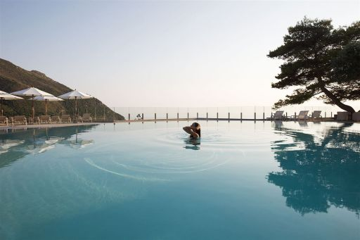 Vacaciones de LUJO en Corfú en resort 5* con desayunos. 7 noches