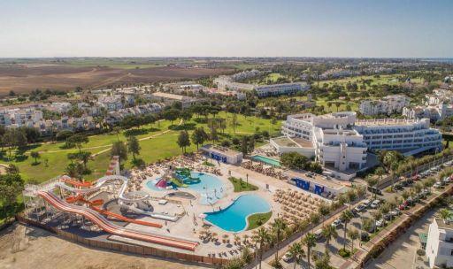 Hotel 4* en Costa Ballena con parque acuático