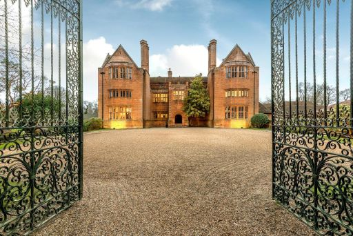 Relaxing 4* countryside Manor staycation nr. the South Downs