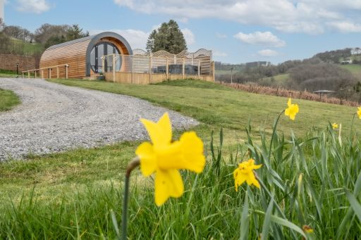 2nt luxe pod group stay in Wales w/hot tub!