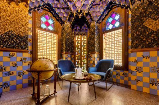 Dormire nella casa di Gaudí con un solo euro? È possibile grazie ad Airbnb!