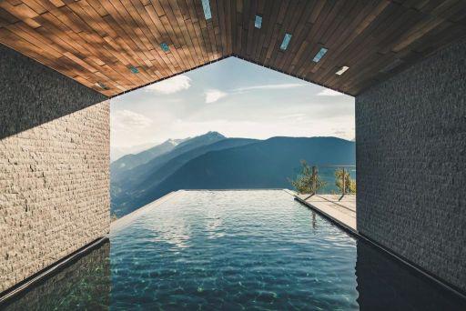 Butikowy hotel z Tyrolu z basenem infinity...