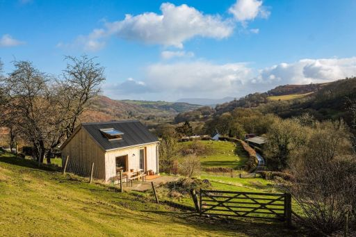 2nt Welsh cabin stay in Upper Wye Valley