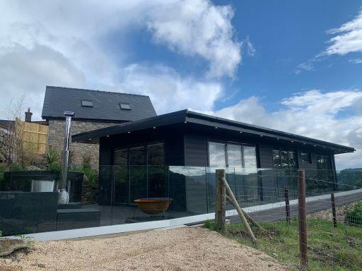 Wales: Luxury 2nt group retreat w/HOT TUB