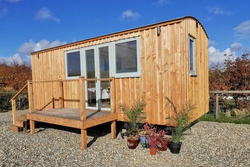 2nt romantic shepherds hut stay in Wales