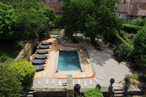 Magnifique hébergement avec piscine dans le Jura