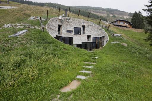 """Willa w Szwajcarii z programu """"Najbardziej niezwykłe domy świata"""" Netflixa"""