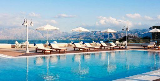 Piscine, spa et vue panoramique en Crète