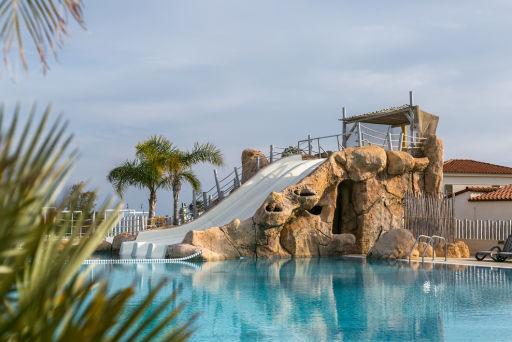 Bungalow en la Costa Dorada. 3 noches en resort con toboganes