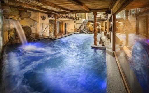 Con spa, 2 piscine, vasca idromassaggio, 6 saune, grotte di sale e di ghiaccio 💕